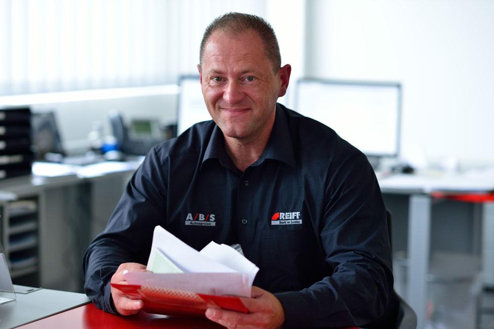 Jacky Munko, Teamleiter Rädereinlagerung und Transportlogistik